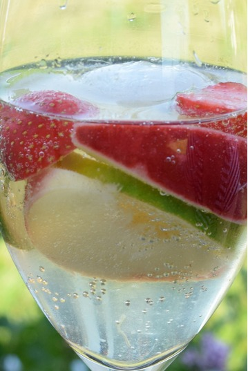 Elderflower Sangria